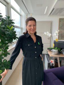 Ministre des Solidarités et de la Santé, Agnès Buzyn, portant le Ruban Vert, symbole du don d'organes et de tissus.